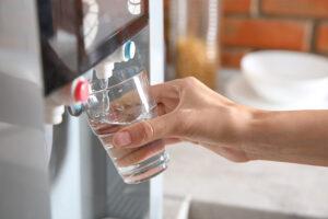 por onde comecar a reduzir o consumo de agua na sua empresa